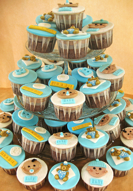 these are the latest fantastic creation from the cupcakelicious blog ...